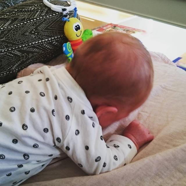 I dag veier lille Noomi 3260 #uoffisielt på #kjøkkenvekta. Det var i dag hun skulle blitt født, men vi har jo allerede kost oss med #lillesøster i 28 dager.